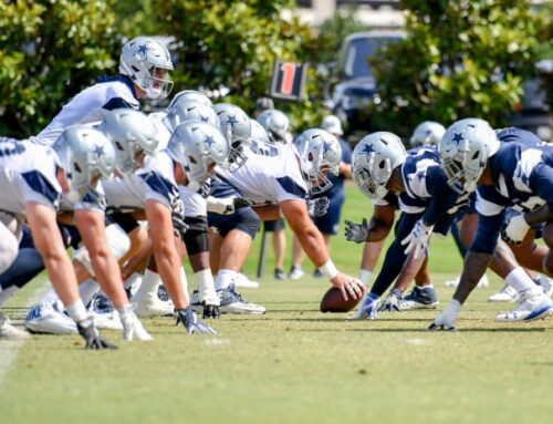 Cowboys and Steelers Have First Honors Opening Training Camps